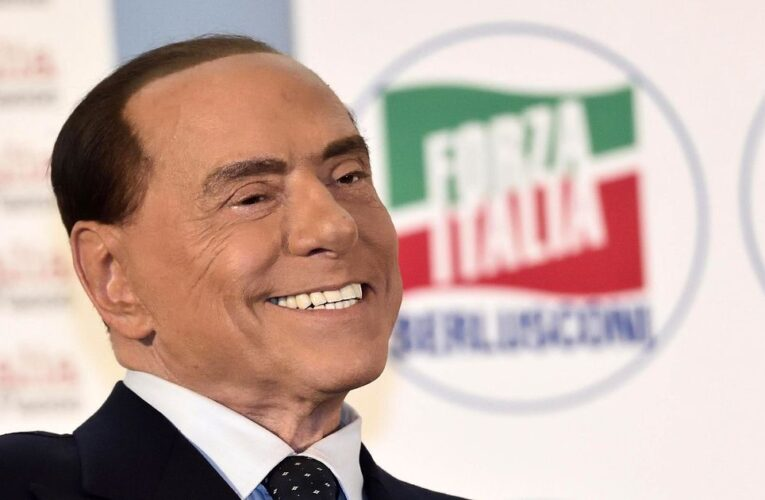 "Berlusconi: ""Leali al Centrodestra ma disposti a collaborare col governo"""